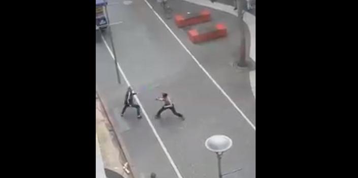 Estocadas iban, estocadas venían: registran violenta pelea en concurrido paseo de Concepción