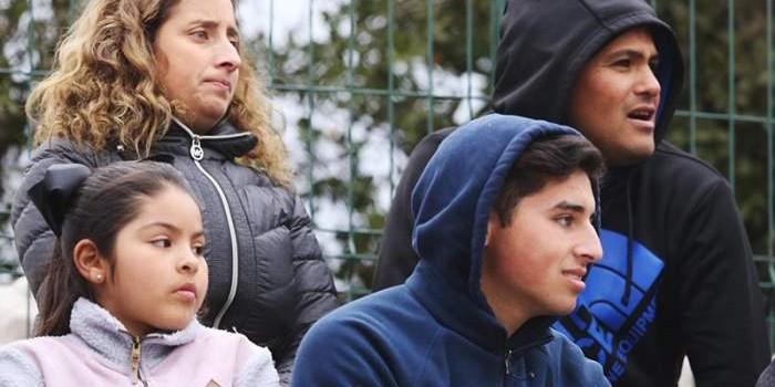 Los Suazo apoyan a Arantza y Grettel desde el tablón