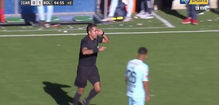 arbitro hizo gesto de var y en bolivia no hay var