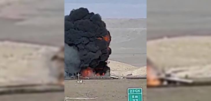 Captan impactante choque entre camiones en plena carretera: gran explosión dejó dos muertos