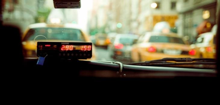 Pasajera denunció excesivo cobro de taxista
