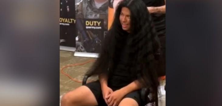Joven se cortó el cabello para entrar al ejército