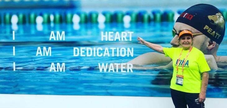 Eliana Busch nadadora de 84 años