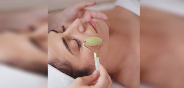 El rodillo de jade que debes incluir en tu rutina de belleza