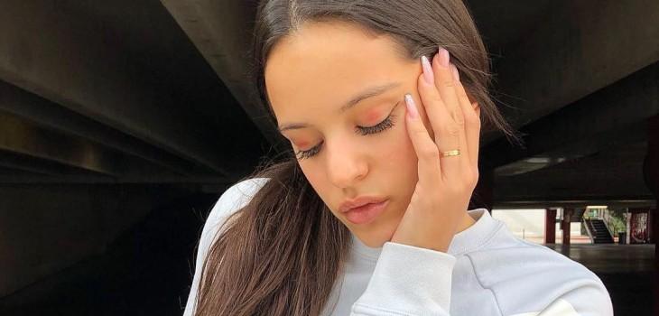 La forma de uñas lipstick arrasa en redes sociales y se desmarca de lo clásico