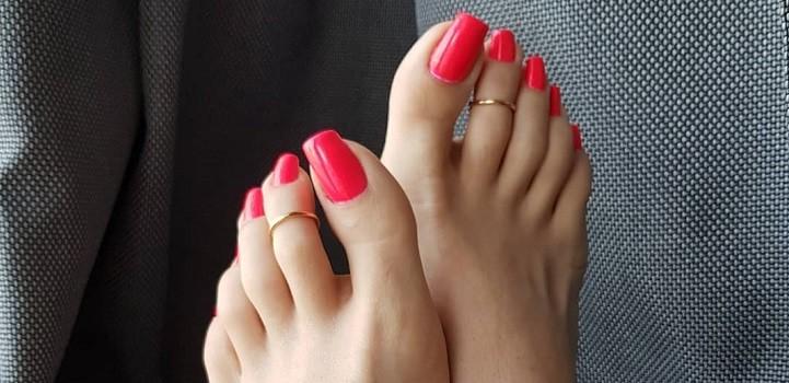 ¿Poco higiénica? La tendencia en uñas que causa furor entre las mujeres
