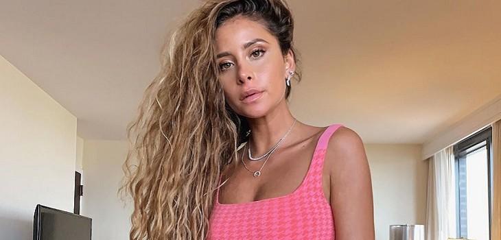 Camila Gallardo sorprende en la alfombra roja de Los40 Music Award: lució un vestido rosa palo