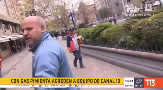 Equipo de Canal 13 es agredido en medio de incidentes en la Alameda