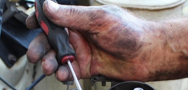 Dos mecánicos sufrieron grave accidente en Talca