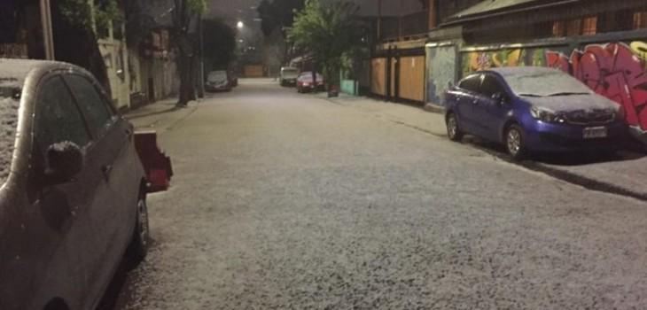 varias comunas de la capital sufrieron con truenos, relámpagos, lluvia y granizos