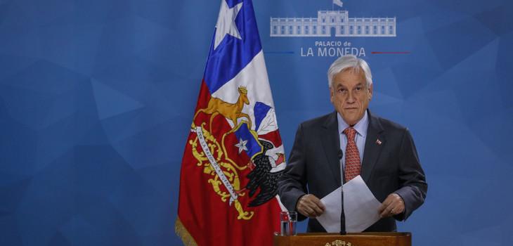 Presidente Piñera suspende alza del metro