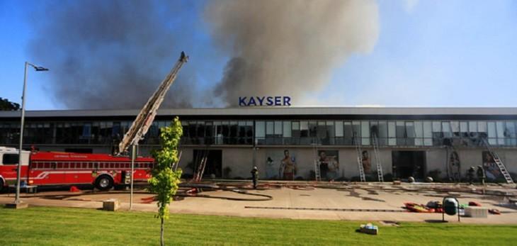 Bomberos confirma cinco personas fallecidas por incendio en bodega de Renca: