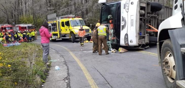 Bus volcado en La Araucanía