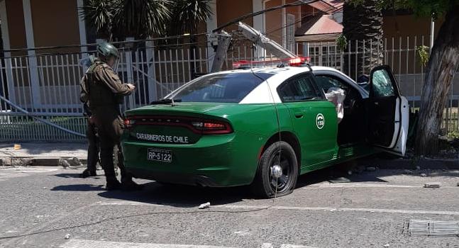 Captan momento en que patrulla de Carabineros atropella a hombre en medio de saqueos: video es viral