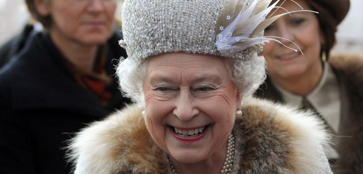Reina Isabel tomó drástica decisión sobre su vestuario: no comprará más piel de animal