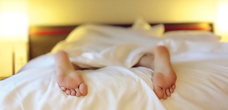 dormir con altas temperaturas