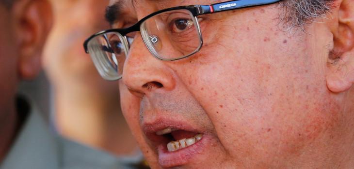 Zapatazo contra intendente de Valparaíso