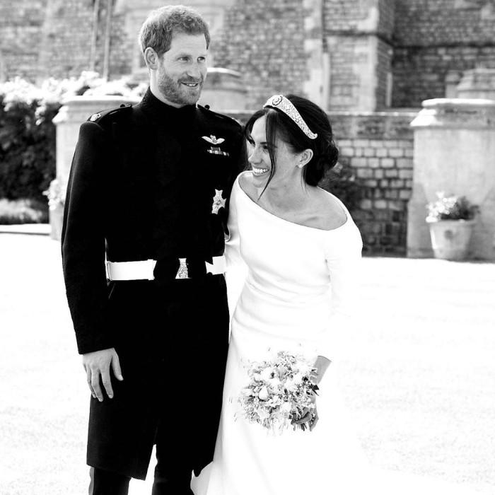 Harry y Meghan celebran el aniversario de su compromiso con fotografía inédita de su boda