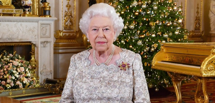 ¿Desaire al príncipe Harry y Meghan? El detalle en foto navideña de reina Isabel que genera polémica