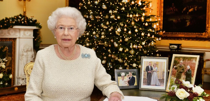 La reina Isabel II le regala esto a sus empleados para Navidad: gasta más de $30 millones en ellos