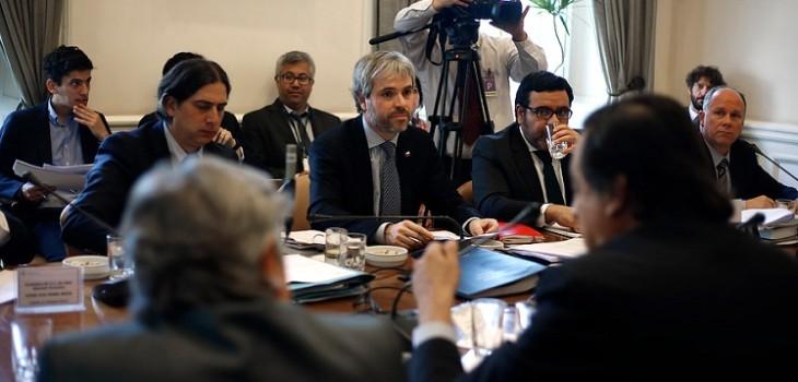 Piden retirar urgencia a ley antisaqueos: discusión será con hoja en blanco