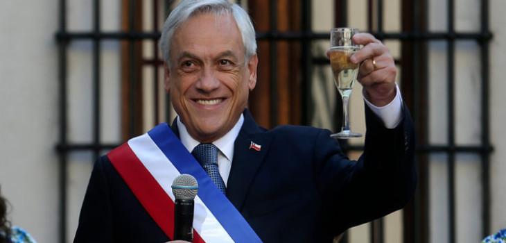 Piñera envía saludo de Año Nuevo reconociendo que 2019 'fue duro'