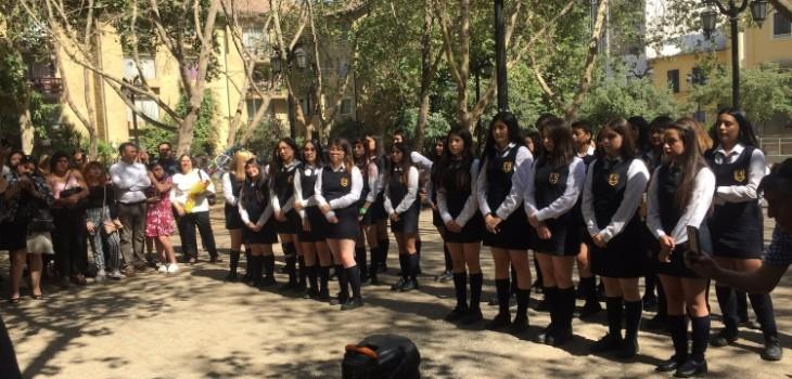 Jóvenes del Liceo 1 se licencian en la calle