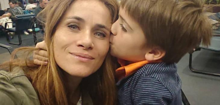 Amaya y Amaro sorprendieron a su hijo Alonso en navidad