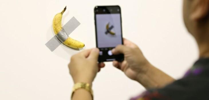 artista vendió plátano en 120 mil dólares y alguien se la comió
