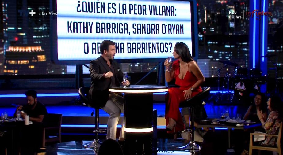 Pamela Díaz otra vez lanza duros dardos contra Cathy Barriga