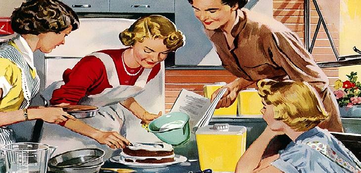 Mujeres realizando tareas domésticas