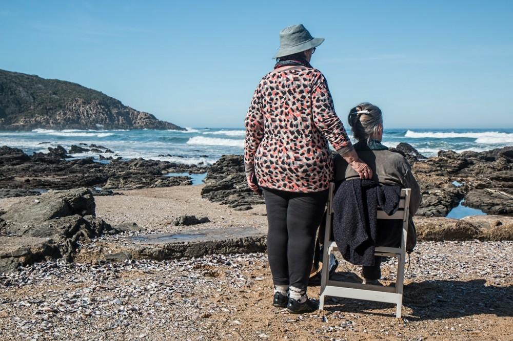 cuidadores adultos mayores coronavirus