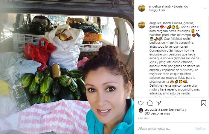 Angélica Sepúlveda vende productos de campo