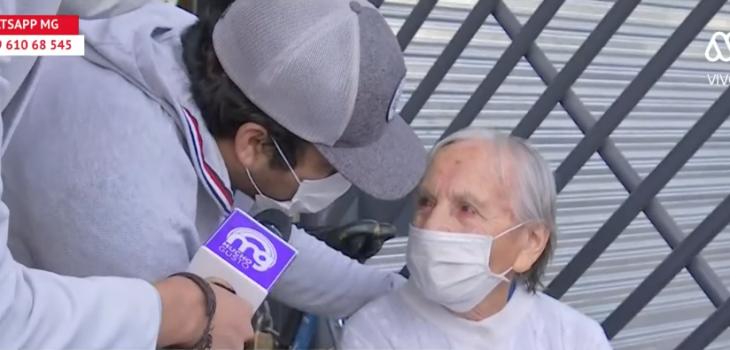 el conmovedor gesto de abuelita que no recibió bono con vecinos adultos mayores