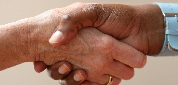 Saludo de manos, apretón de manos