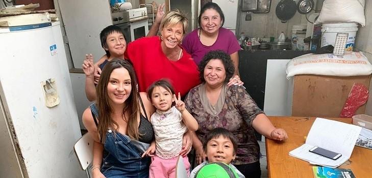 Raquel Argandoña y Kel Calderón concretaron ayuda de juguetes a niños de Bajos de Mena