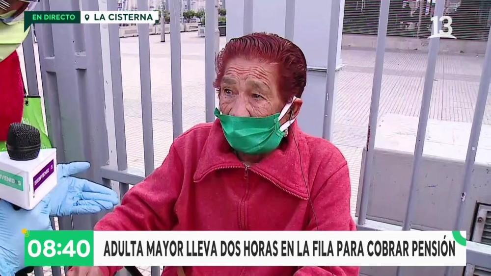 Tonka Tomicic se comprometió a ayudar a mujer de 77 años que recibe $130 mil de pensión