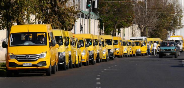Gobierno posterga pago de permisos de circulación para taxis, colectivos, buses y furgones escolares