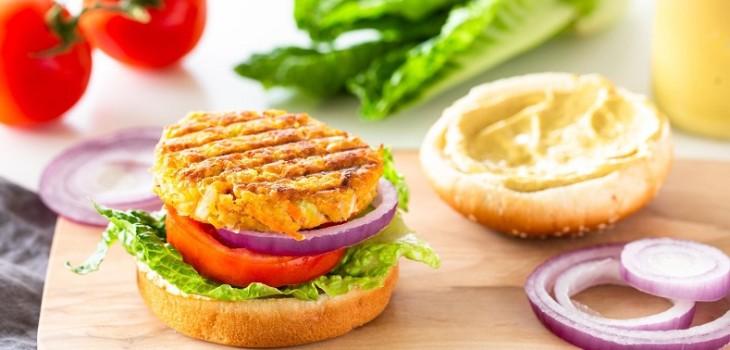 3 recetas veggies para celebrar el Día de la Hamburguesa