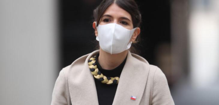 Subsecretaria de Prevención del Delito, Katherine Martorell llegando al Palacio de la Moneda para realizar un punto de prensa, donde se informarán sobre resultados operativos de Carabineros de chile durante la ultima semana durante la pandemia por Covid-19, Santiago.