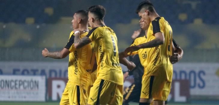 Fernández Vial informó que siete futbolistas están contagiados de COVID-19