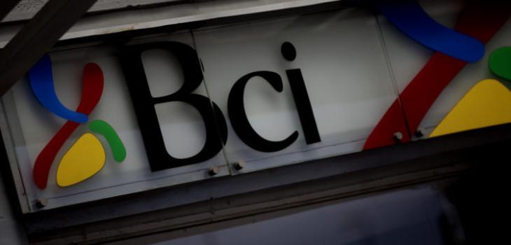 BCI se desmarca de trabajadora que aseguró no atender carabineros
