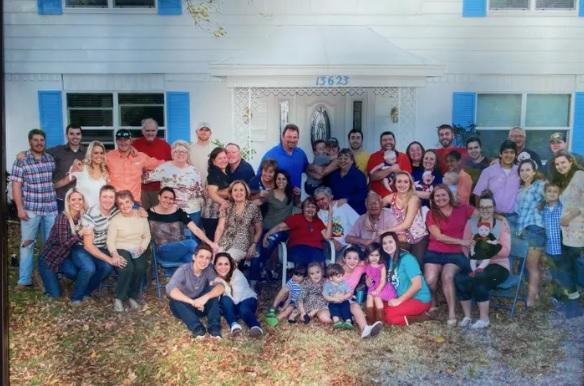 Fiesta sorpresa reunió a 55 familiares
