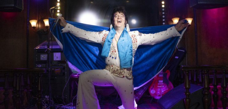 Noruego bate récord mundial cantando como Elvis durante 50 horas