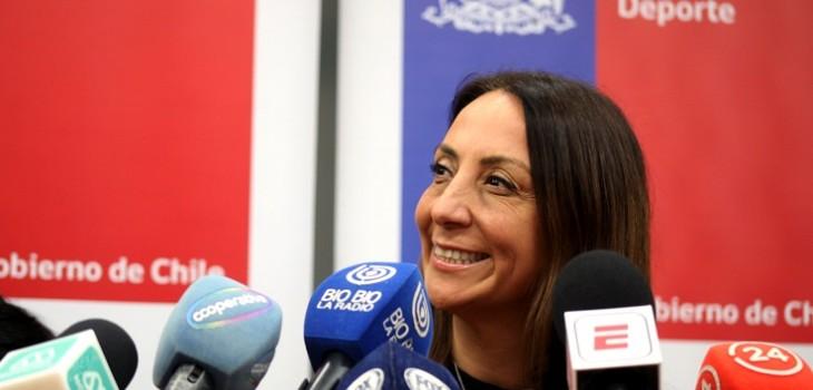 Ministra Pérez ante vuelta del fútbol nacional