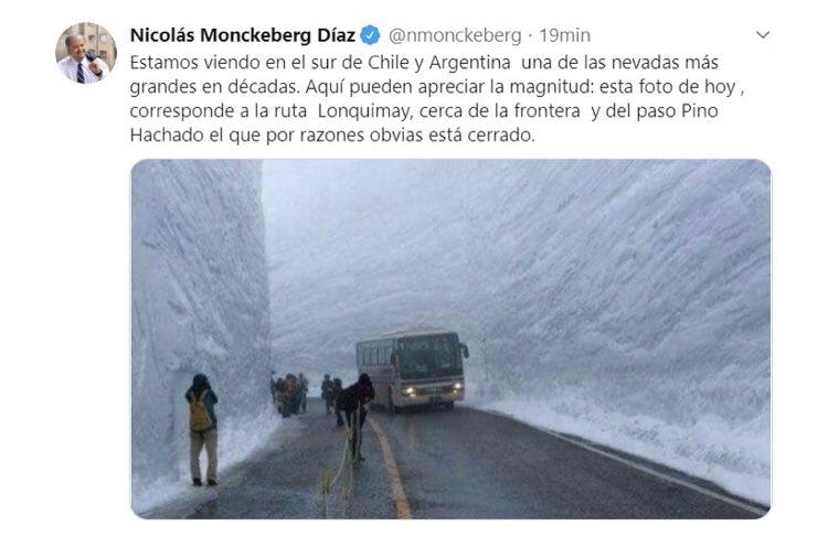 El fail de exministro Monckeberg en Twitter: publicó foto de Japón pensando que era Lonquimay