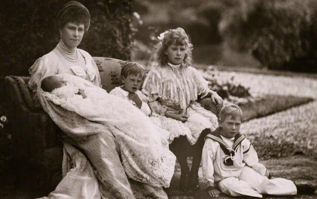 """John, el """"príncipe perdido"""" que la realeza británica alejó de la vida pública por tener epilepsia"""