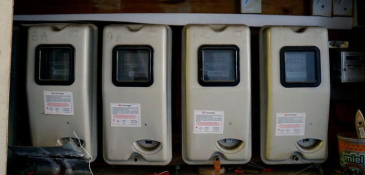 Eléctricas tras cargos de la SEC por errores en boletas