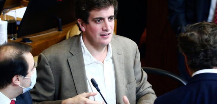 Schalper rechazó contestar acusaciones de Celis antes de votación sobre 10%: