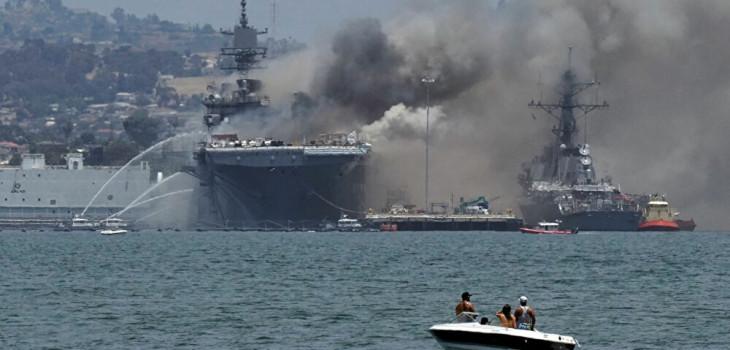 Preocupación por explosión que causa incendio en buque de la Marina de EEUU